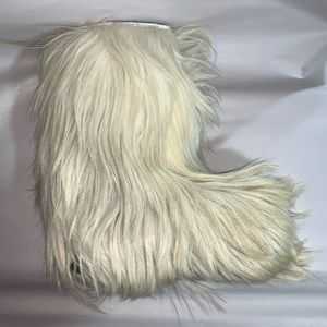 nwob Size 39 Long haired Goat & Shearling BOOTS